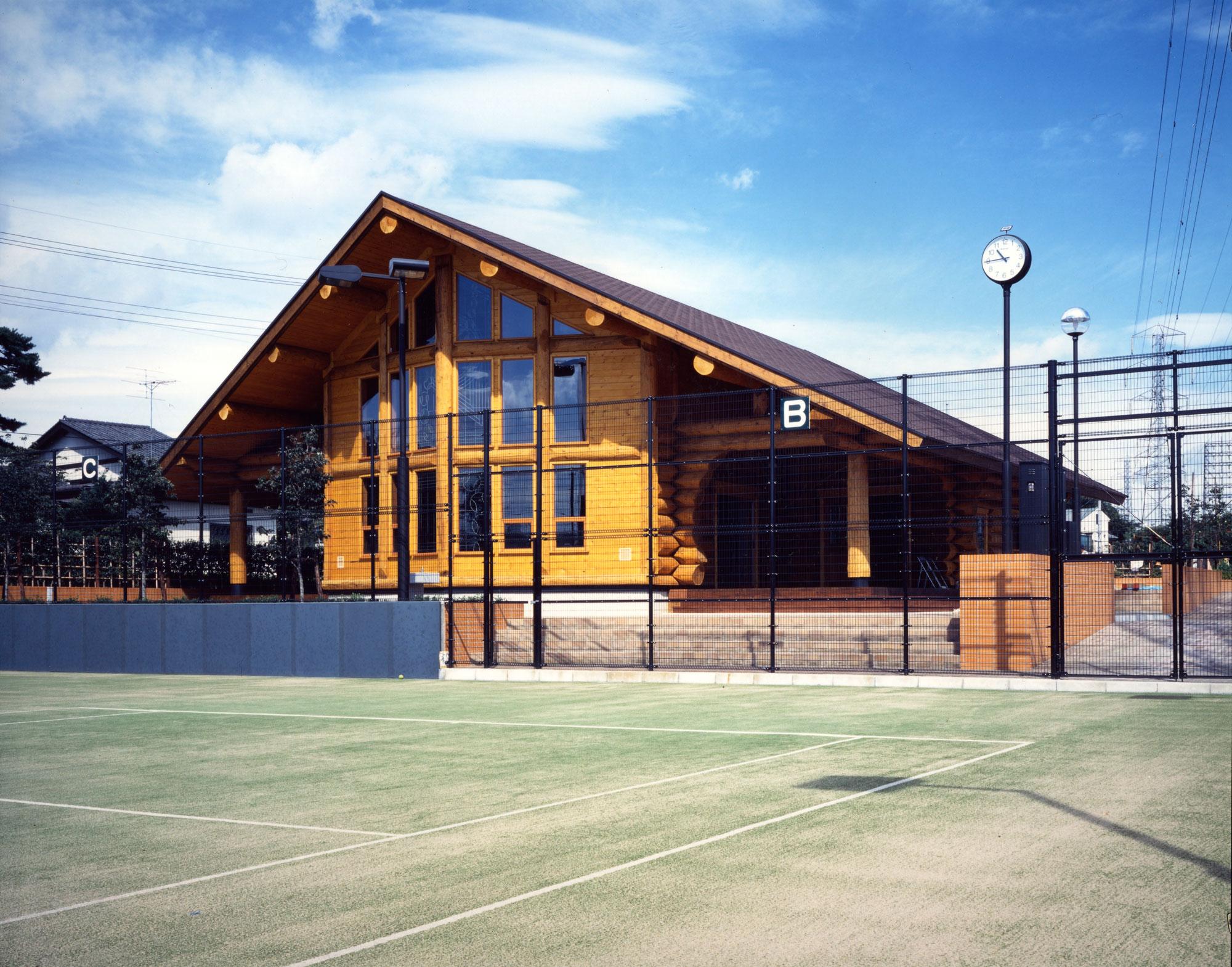 1997年度「日本ログハウス・オブ・ザ・イヤーハンドカット部門奨励賞優秀賞」受賞 東京都調布 緑ヶ丘テニスコート・クラブハウス