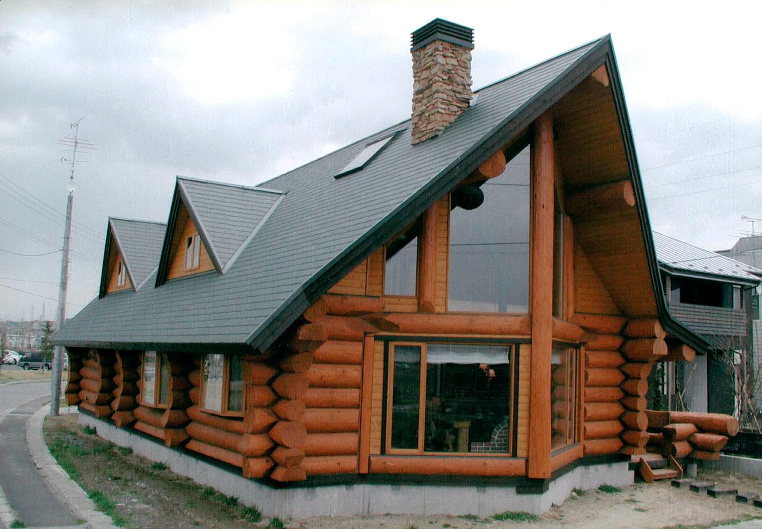 2005年度 「日本ログハウス・オブ・ザ・イヤー 優秀賞」受賞 青森県 八戸F邸